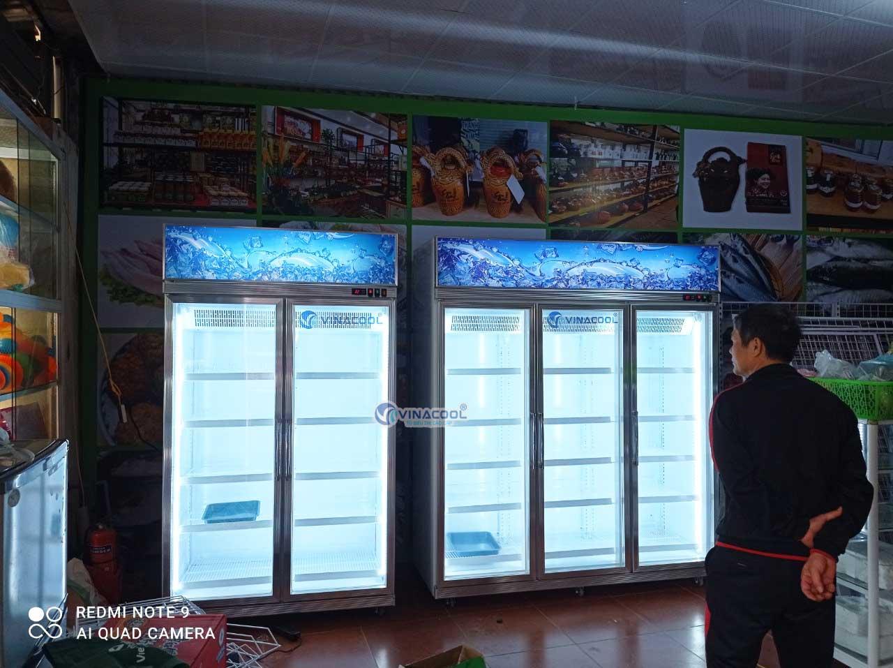 tủ đông đứng 3 cánh kính