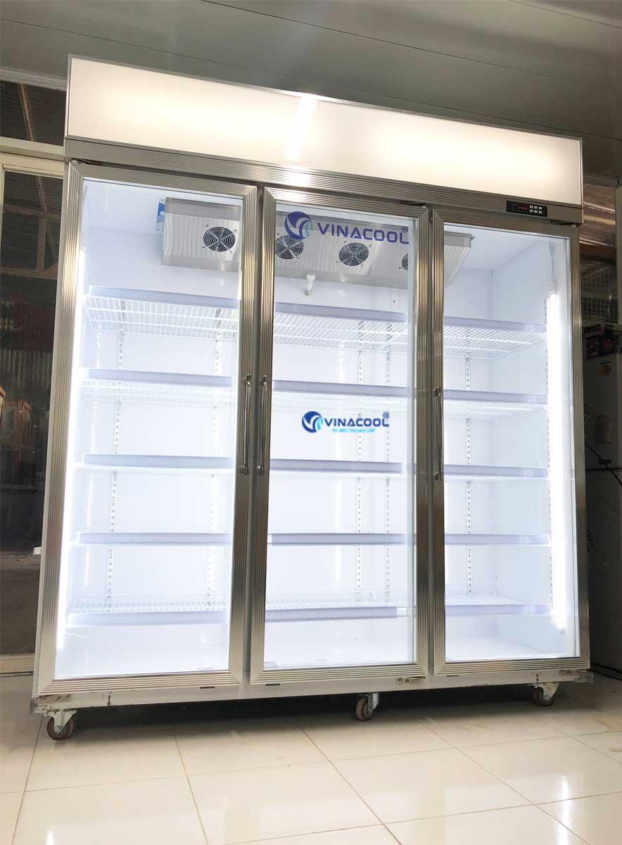 Tủ mát 3 cánh kính trưng bày trái cây, nước ngọt Vinacool LG-186